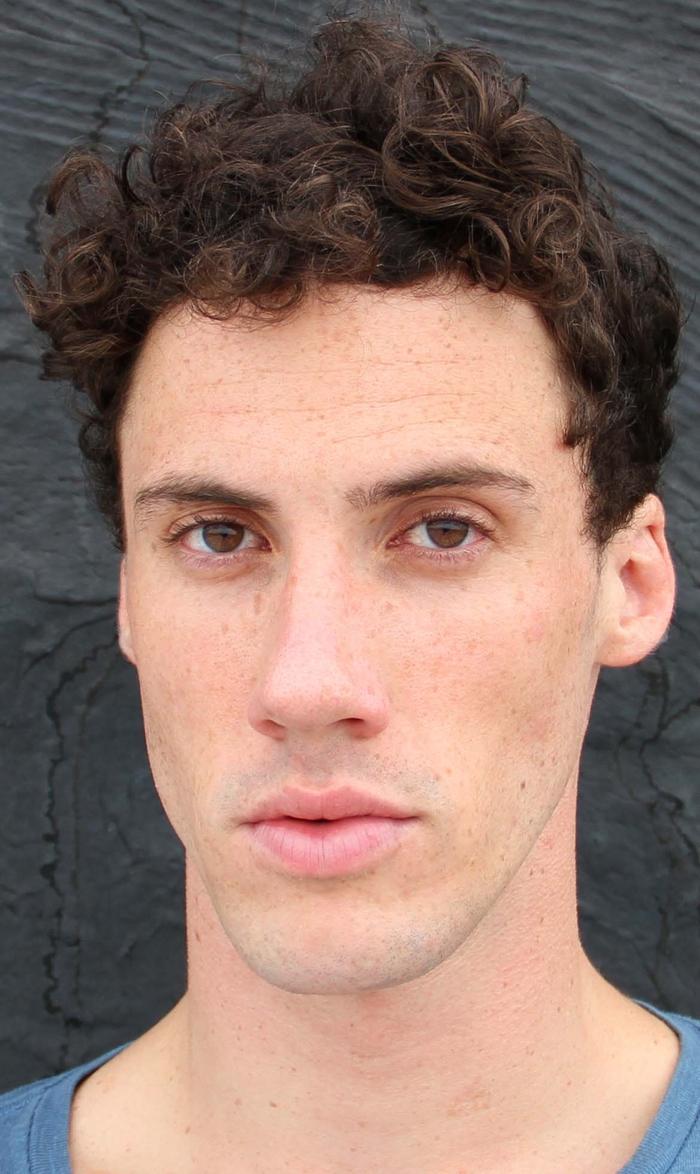 Tyler Rowe - trMain