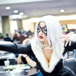 "Sarah Villegas - Comic Con: ""Black Cat"""