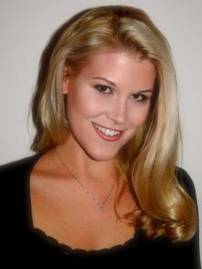Krista Laraine - headshot