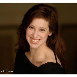 Anna Gibson - Headshot
