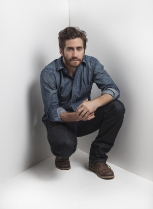 Jake Gyllenhaal Finds an Off-Broadway Family