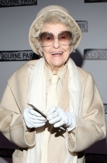 Elaine Stritch Needs Your Help