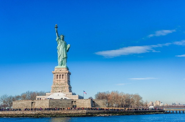 Now Casting: Nonunion Musical 'Ellis Island: Gateway to a Dream' and More