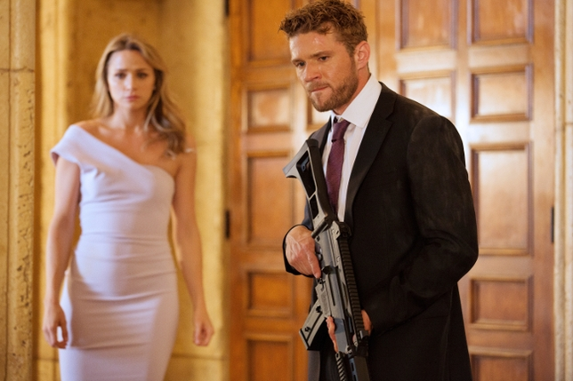 How USA's 'Shooter' Weapons Supervisor Trained Ryan Phillippe to Use Firearms
