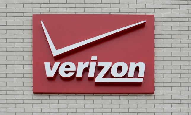 Now Casting: Earn $1,000 in a Verizon Fios Print Ad With Real Friends and Families + 3 More Gigs