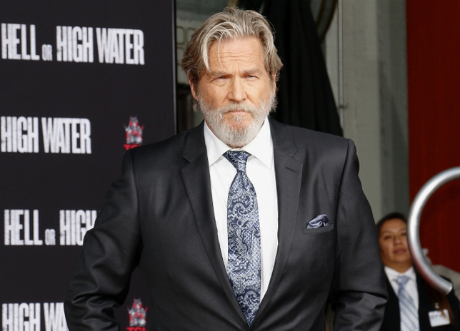 Jeff Bridges and Chris Hemsworth are an Unexpected Match in Lake Tahoe