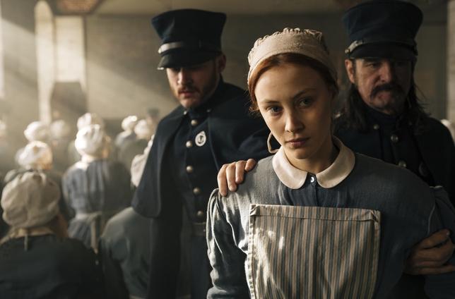 Sarah Gadon Reveals the Hardest Part of Adapting Margaret Atwood for Netflix