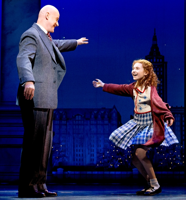 'Annie' Returns to the Great White Way
