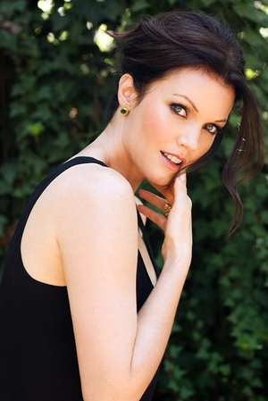 7 Tips For Becoming a Series Regular From 'Scandal's' Bellamy Young