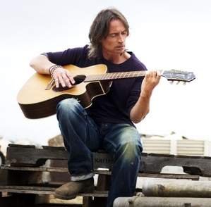 Robert Carlyle Saves 'California Solo'