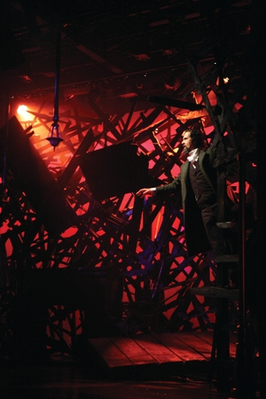 How a Lighting Designer Brought a Taste of NYC Theater to Singapore