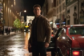 Action Movie 'Jack Reacher' Doesn't Stretch Enough