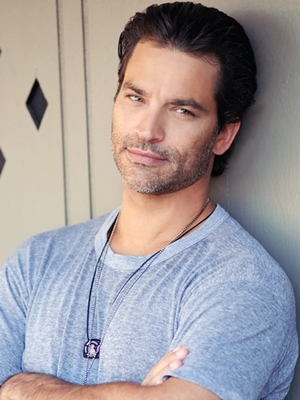 5 Tips from Johnathon Schaech on Juggling Multiple Roles