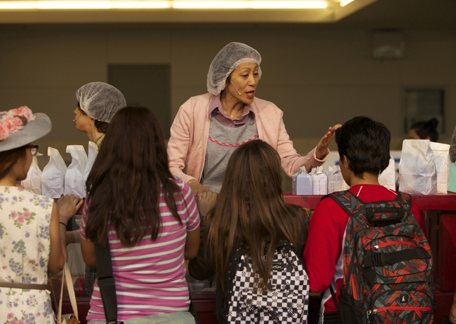 'Lunch Lady Courage' Puts Brecht Inside an L.A. Public High School