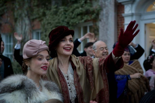 Elizabeth McGovern Has a Knack for British Period Roles