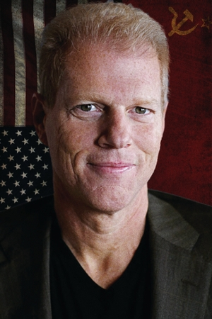 Noah Emmerich Talks Film School and 'The Americans'