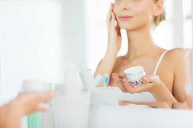 4 Ways to Keep Your Skin Healthy Between Performances